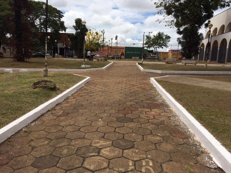 Prefeitura retoma manutenção de ruas, praças, guias e sarjetas