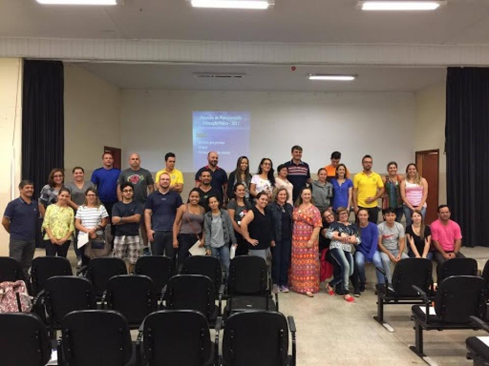 PROFESSORES DO ENSINO FUNDAMENTAL REALIZAM PLANEJAMENTO UNIFICADO