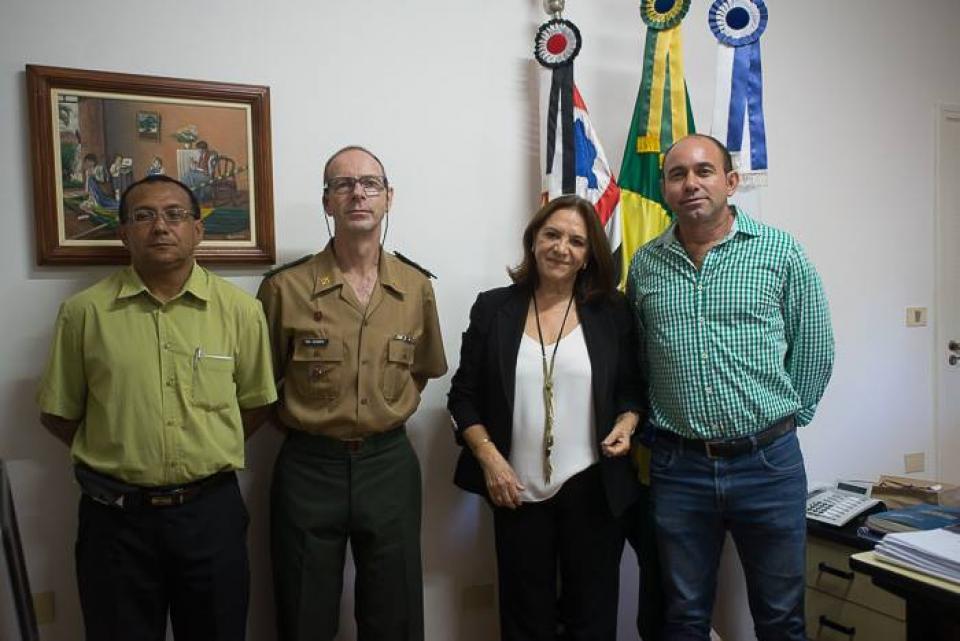 PREFEITA TOMA POSSE COMO PRESIDENTE  DA JUNTA DE SERVIÇO MILITAR