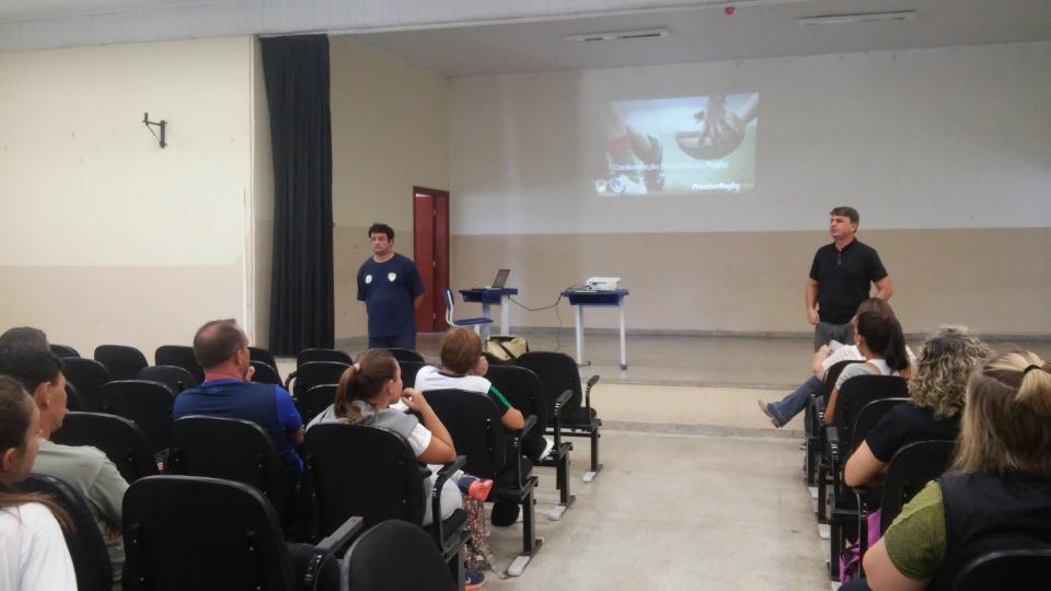 PROFESSORES DE EDUCAÇÃO FÍSICA PARTICIPAM DE CURSO DE CAPACITAÇÃO SOBRE RUGBY