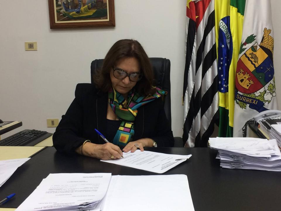 ACORDO GARANTE DISSIDIO E BENEFÍCIOS  AO FUNCIONALISMO PÚBLICO