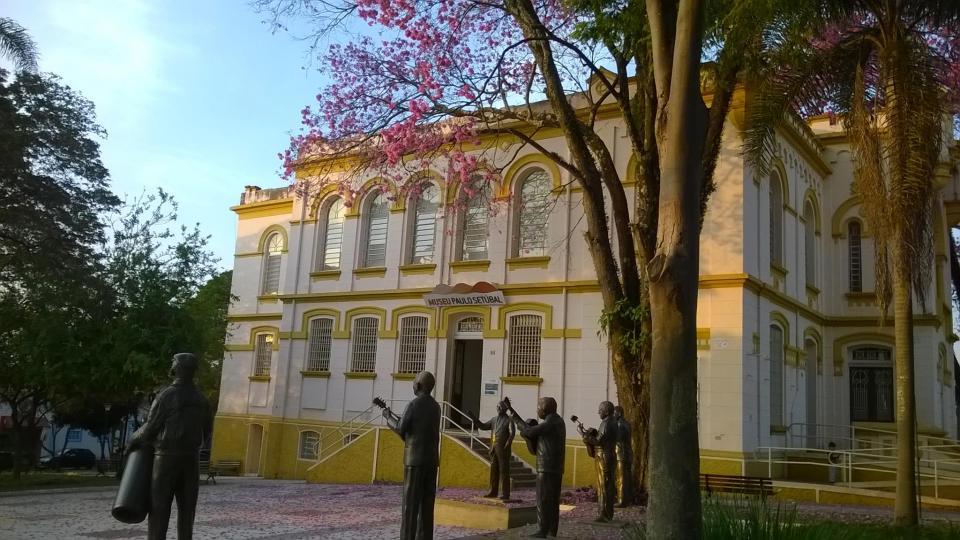 MUSEU PAULO SETÚBAL LANÇA MATERIAL  DE DIVULGAÇÃO BILÍNGUE