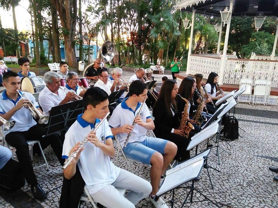"""CORPORAÇÃO MUSICAL CARLOS GOMES, DE CESÁRIO LANGE, RETORNA AO """"MÚSICA NA PRAÇA"""""""