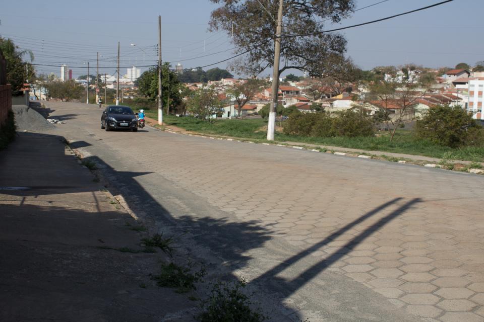 PREFEITURA ROMPE CONTRATO COM EMPRESA DAS LAJOTAS ECOLÓGICAS NO JARDIM WANDERLEY