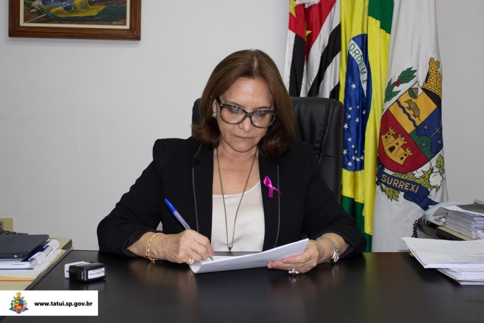 PREFEITA AUTORIZA R$ 2,3 MILHÕES EM PACOTE DE  OBRAS NA SAÚDE, EDUCAÇÃO E INFRAESTRUTURA