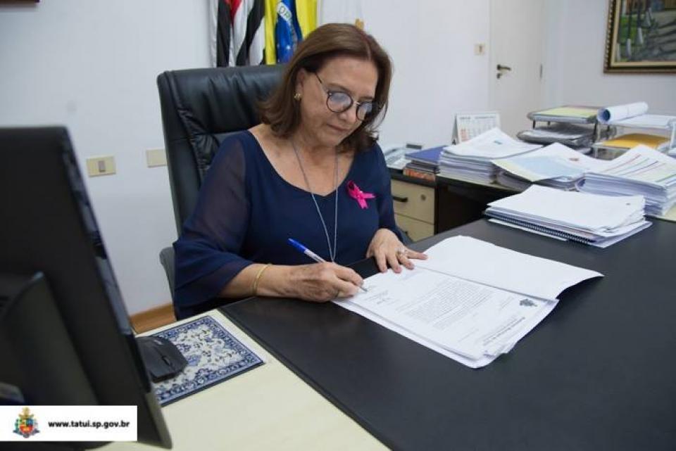 PREFEITURA FORNECERÁ EM 2018 UNIFORMES PARA ALUNOS DA REDE MUNICIPAL