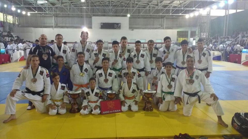 JUDÔ DE TATUÍ CONQUISTA A 3ª COLOCAÇÃO  NO 49º TORNEIO BENEMÉRITOS NO BRASIL
