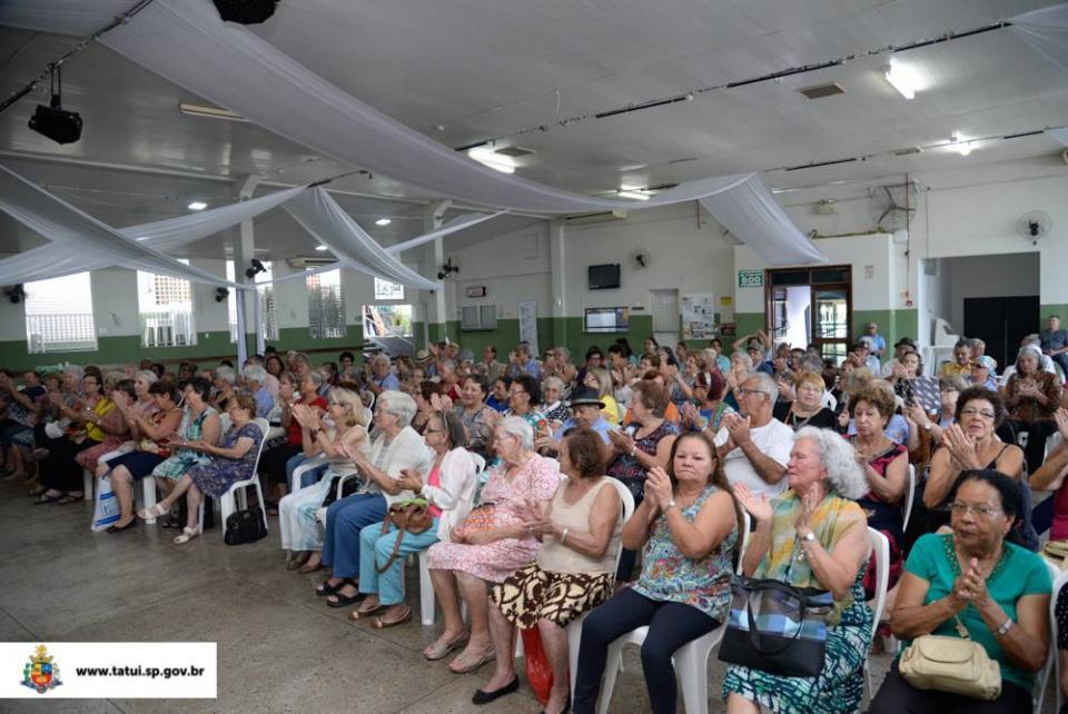 PROJETO ENVELHECER COM QUALIDADE DE VIDA ENCERRA COM FESTA ATIVIDADES DE 2017