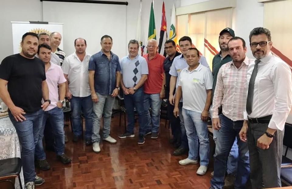 NOVAS IDEIAS SOBRE O CINTURÃO DE CAMINHÕES SÃO DEBATIDAS NA ASSOCIAÇÃO COMERCIAL