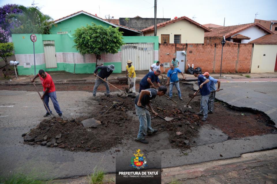 PREFEITURA INICIA RECUPERAÇÃO DAS RUAS DO SANTA RITA AFETADAS PELAS FORTES CHUVAS