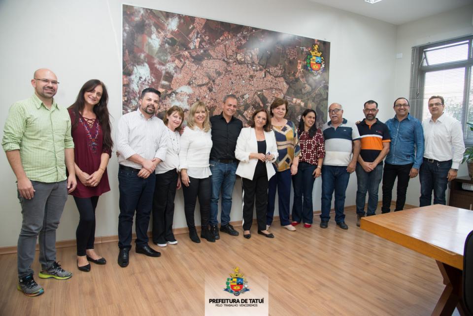 PREFEITURA ASSINA CONVÊNIOS QUE SOMAM  MAIS DE R$ 305 MIL COM ENTIDADES SOCIAIS