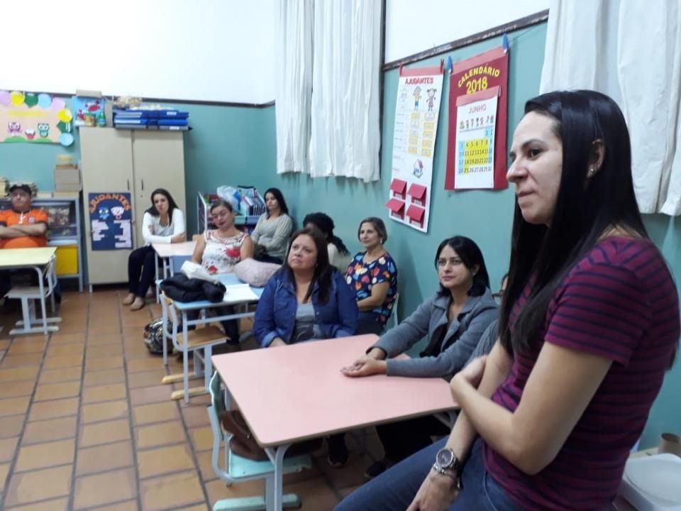 MONITORES DE CRECHES MUNICIPAIS PARTICIPAM DE OFICINAS DE FORMAÇÃO