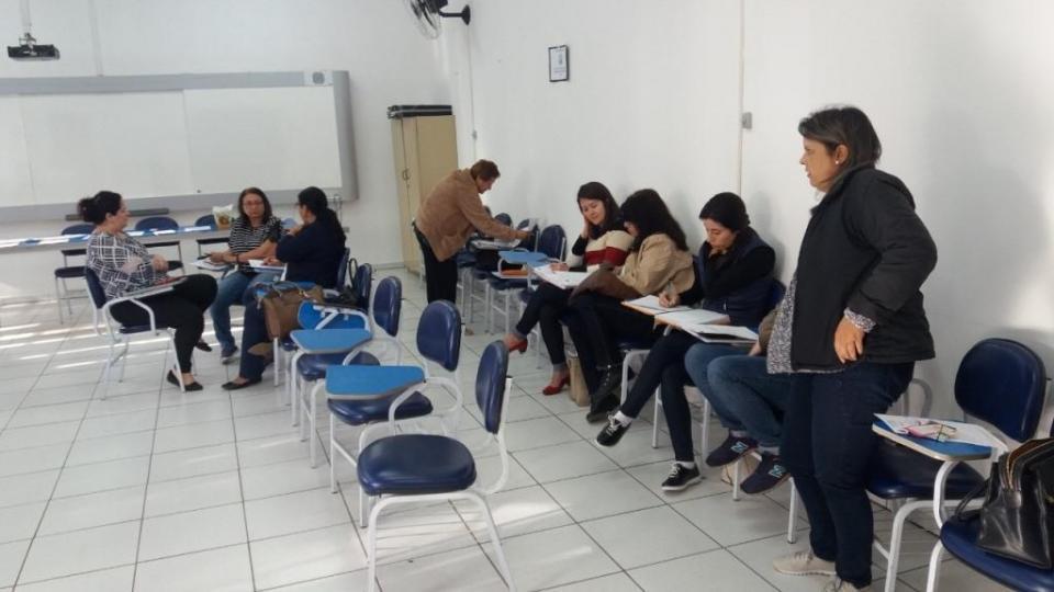 PROFESSORES DA EDUCAÇÃO INFANTIL  MUNICIPAL PARTICIPAM DE REPLANEJAMENTO