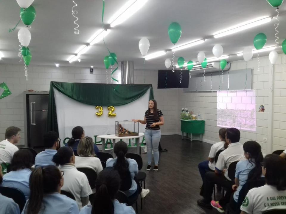 EDUCAÇÃO AMBIENTAL  REALIZA PALESTRA SOBRE RESÍDUOS  SÓLIDOS PARA COLABORADORES DA COOP