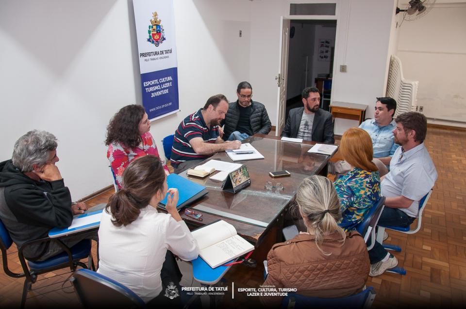 CENTRO CULTURAL DE TATUÍ SEDIA REUNIÃO MENSAL DO CONDEPHAT