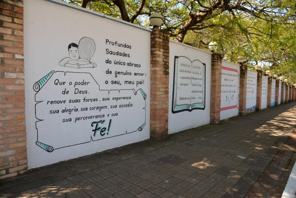 PREFEITURA DE TATUÍ PROMOVE MANUTENÇÃO NOS CEMITÉRIOS PARA O DIA DE FINADOS