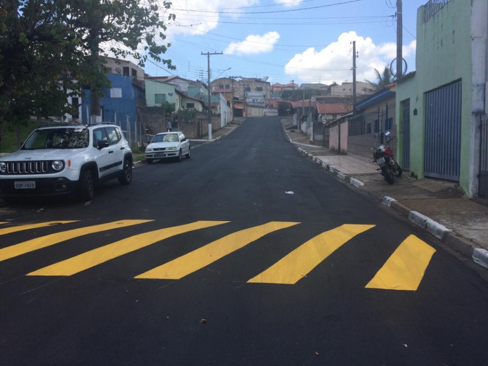 PREFEITURA RETOMA OBRAS DE RECAPEAMENTO,   TAPA BURACOS E PAVIMENTAÇÃO COM LAJOTAS