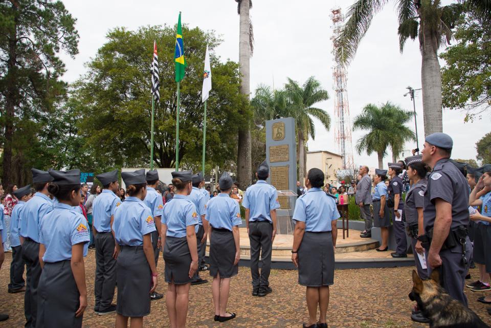 PROJETO CÍVICO DESTACA EM CERIMÔNIA RELEVÂNCIA DA CARREIRA MILITAR