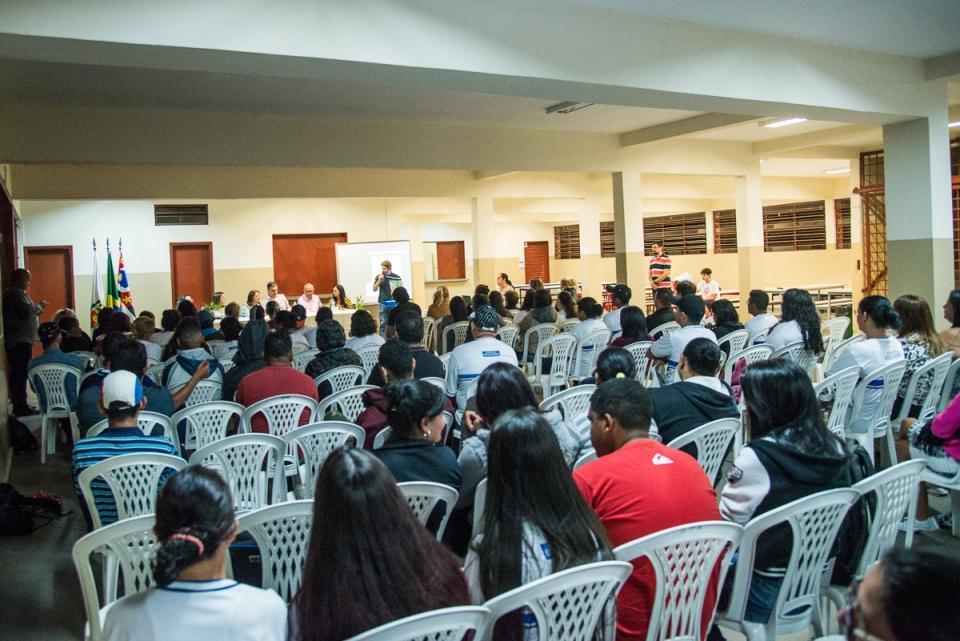 EJA NOTURNO COMEÇA A FUNCIONAR NA   REGIÃO DO SANTA RITA COM 80 ALUNOS