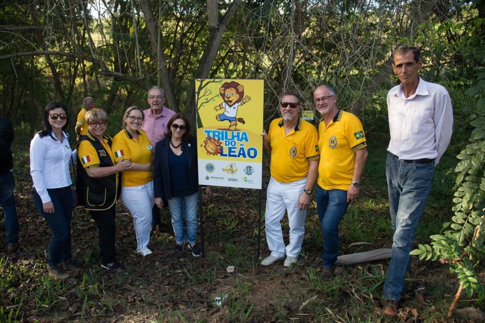 PREFEITURA E LIONS INAUGURAM TRILHA DO LEÃO -  LOCAL SERÁ UTILIZADO PARA EDUCAÇÃO AMBIENTAL