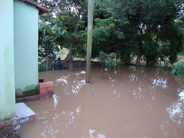 Defesa Civil divulga relatório de chuvas, 35 pessoas são atendidas em cinco bairros